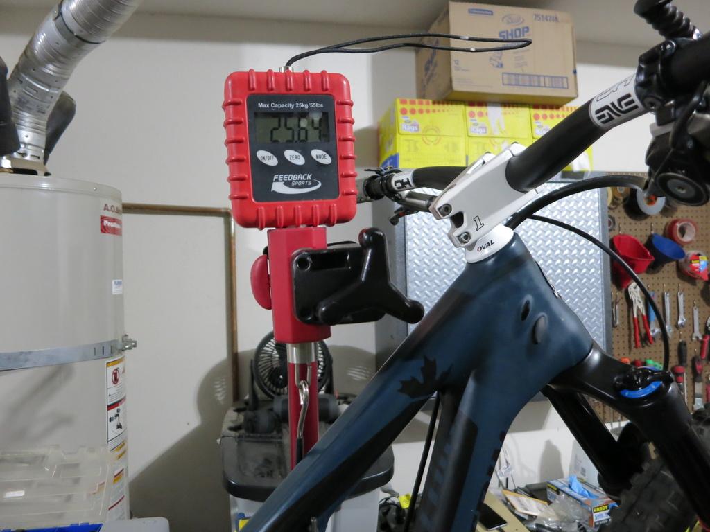 "What makes an AM bike a ""fast pedaling""?-img_1154.jpg"