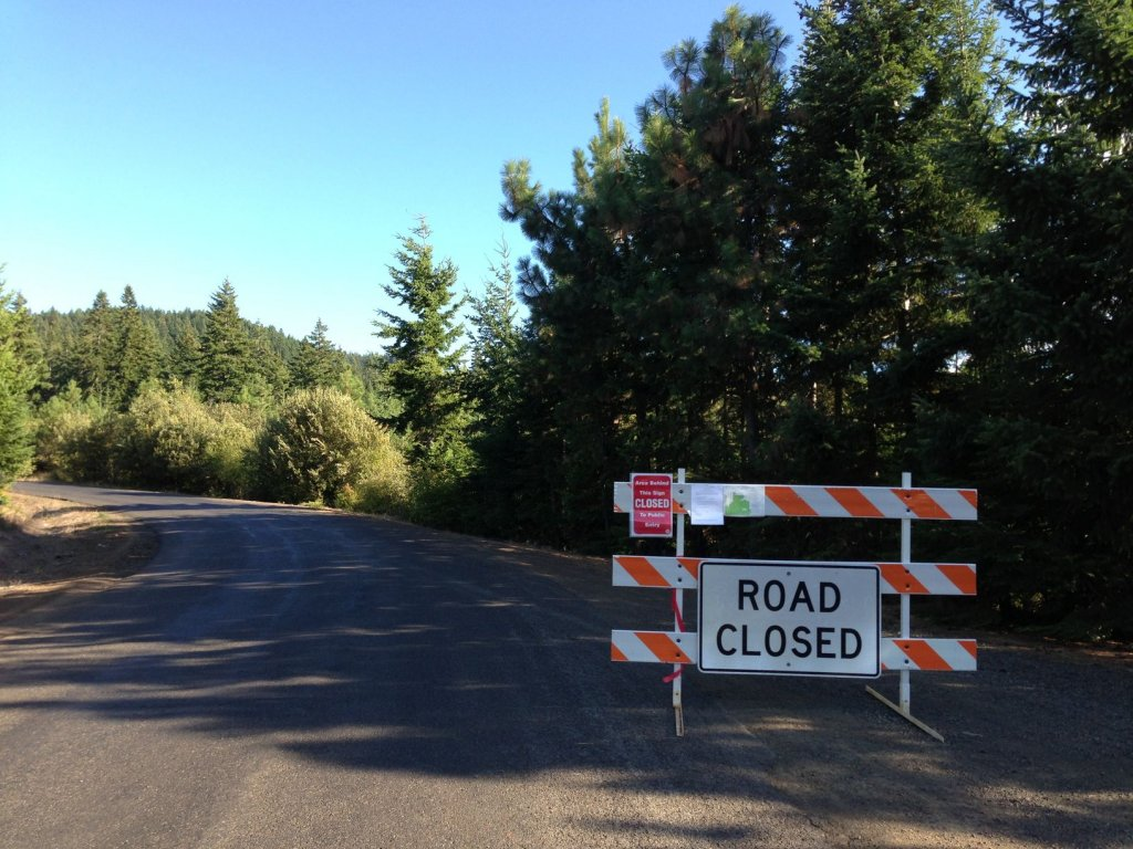 Mt. Hood Suveyors Ridge Parking - Fire closure - Got fined-img_1193.jpg