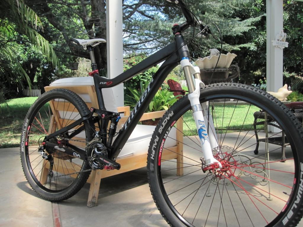 Lets see some of bikes that the staff members at Niner Bikes ride...-img_1210-2.jpg