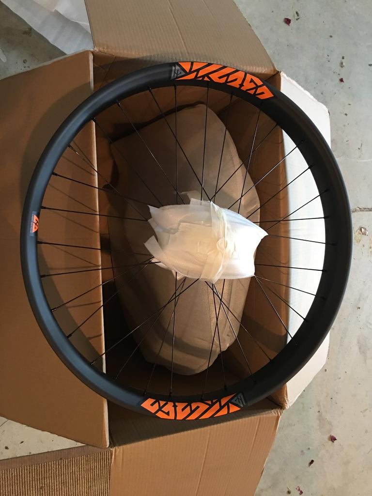 Light Bicycle Carbon Rims-img_1426.jpg