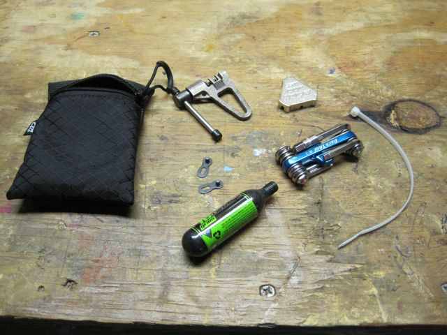 Saddle bag for dropper seatpost-img_1623.jpg