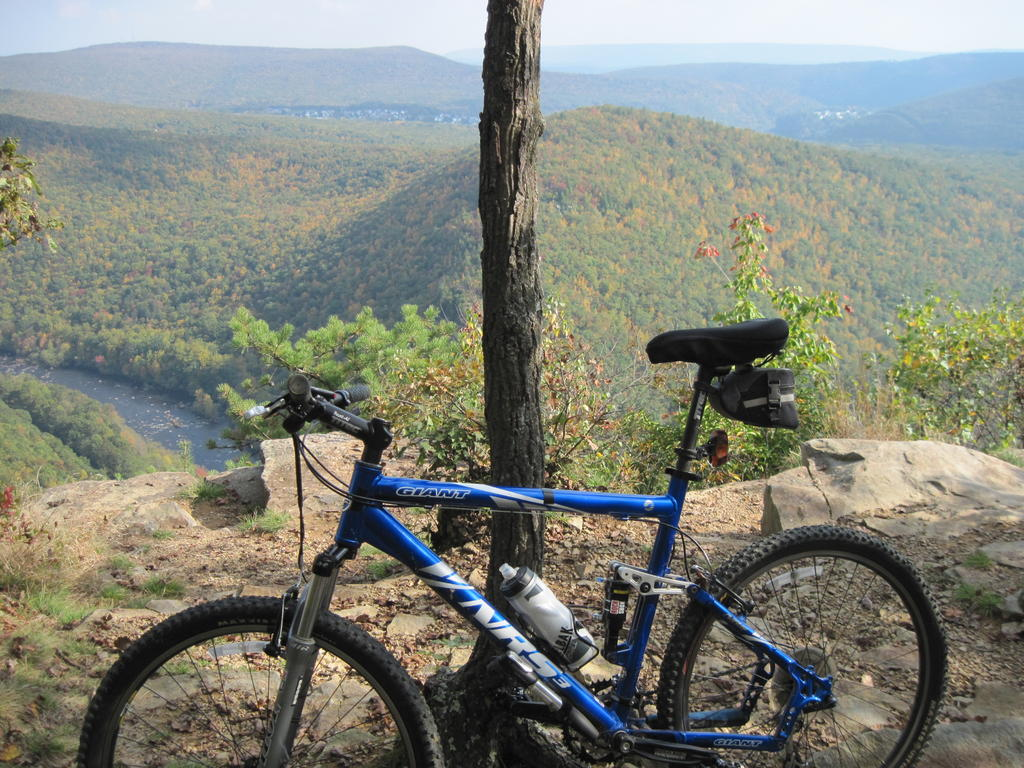 Show us a picture of your 26er MTB that you still use on the trails-img_1637.jpg