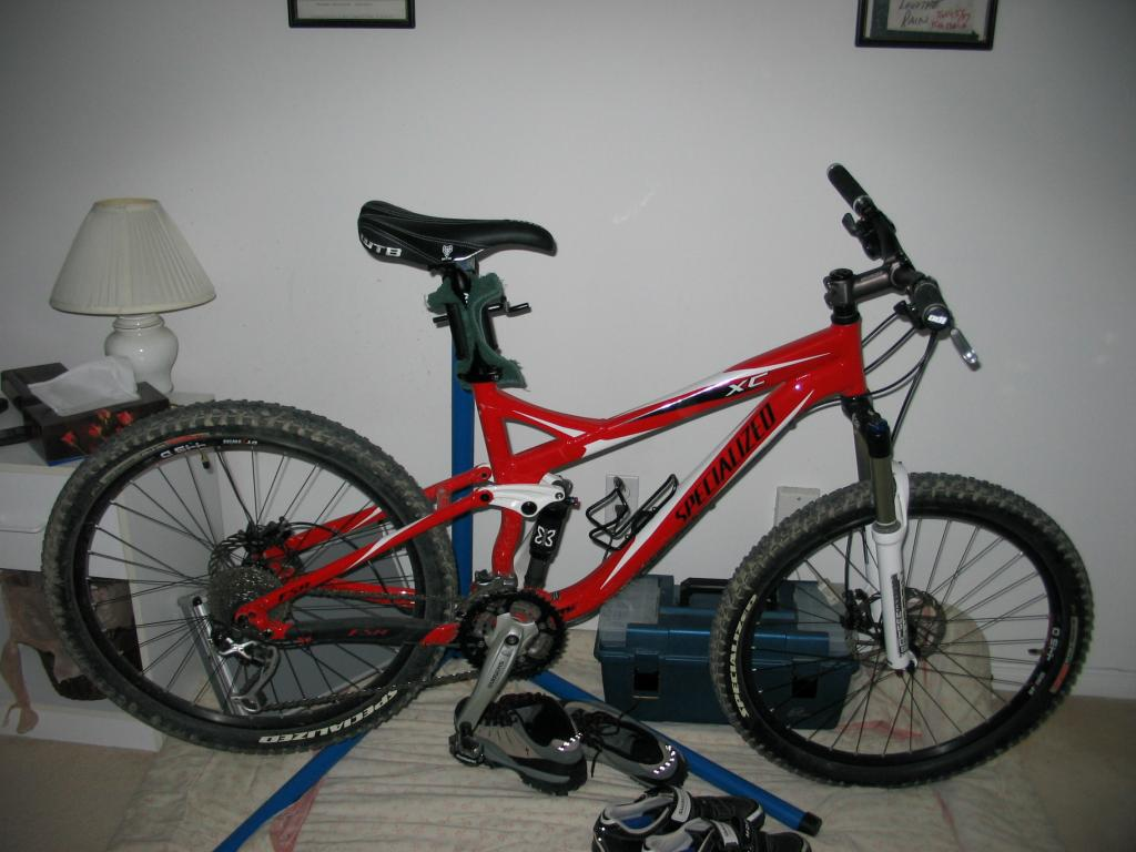 How many pairs of MTB shoes do YOU have?-img_1661.jpg