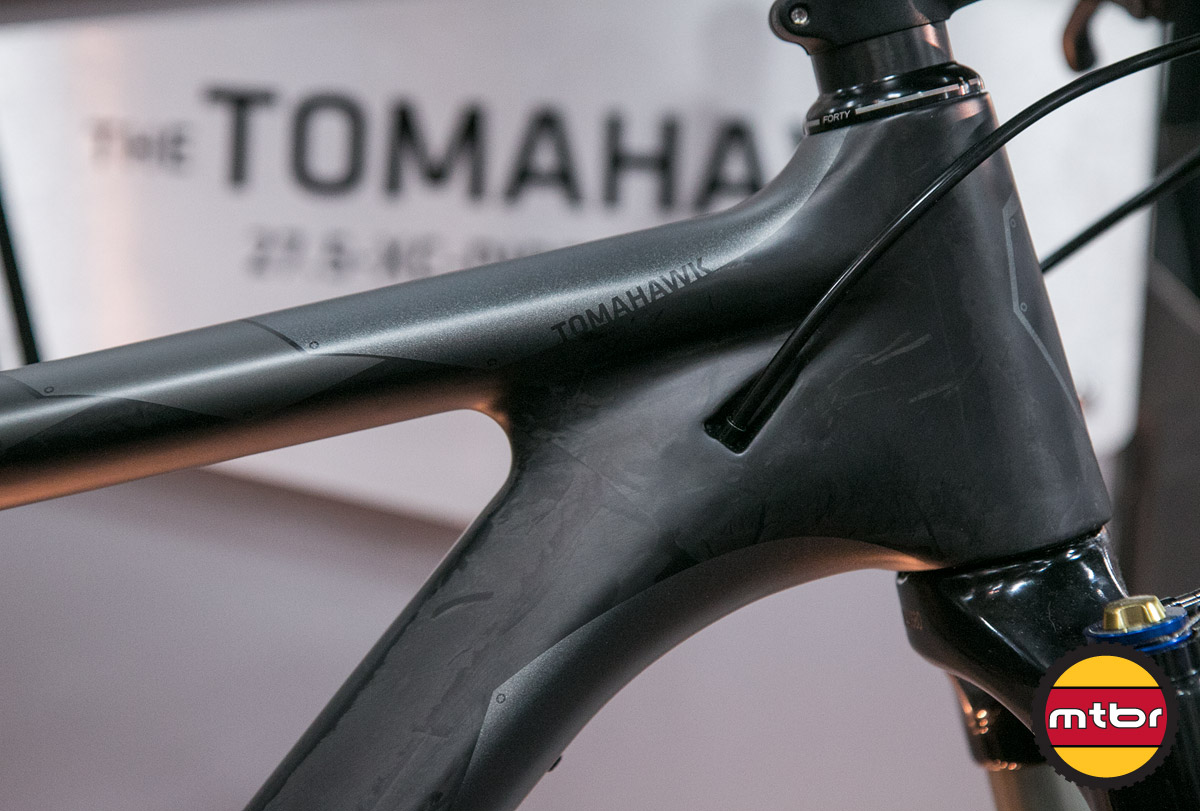 Foundry Tomahawk 27.5 - Front Triangle & Cable Routing Detail