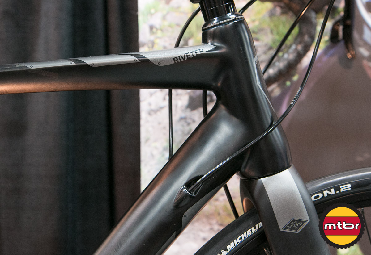 Foundry Riveter - Headtube & Cable Routing Detail