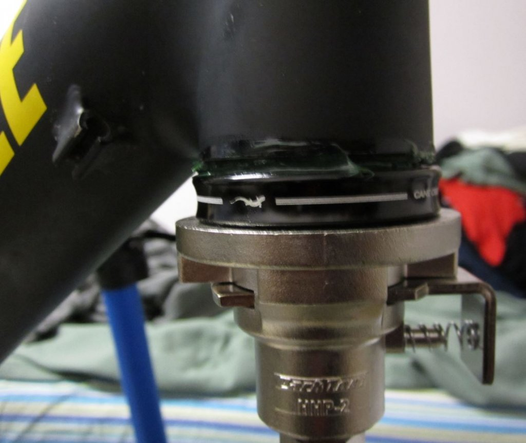 Do you grease your headset cups???-img_1861-mtbr.jpg