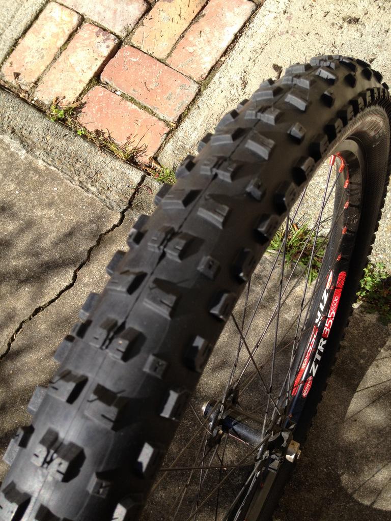 Pacenti Mega Moto 2.4 tire