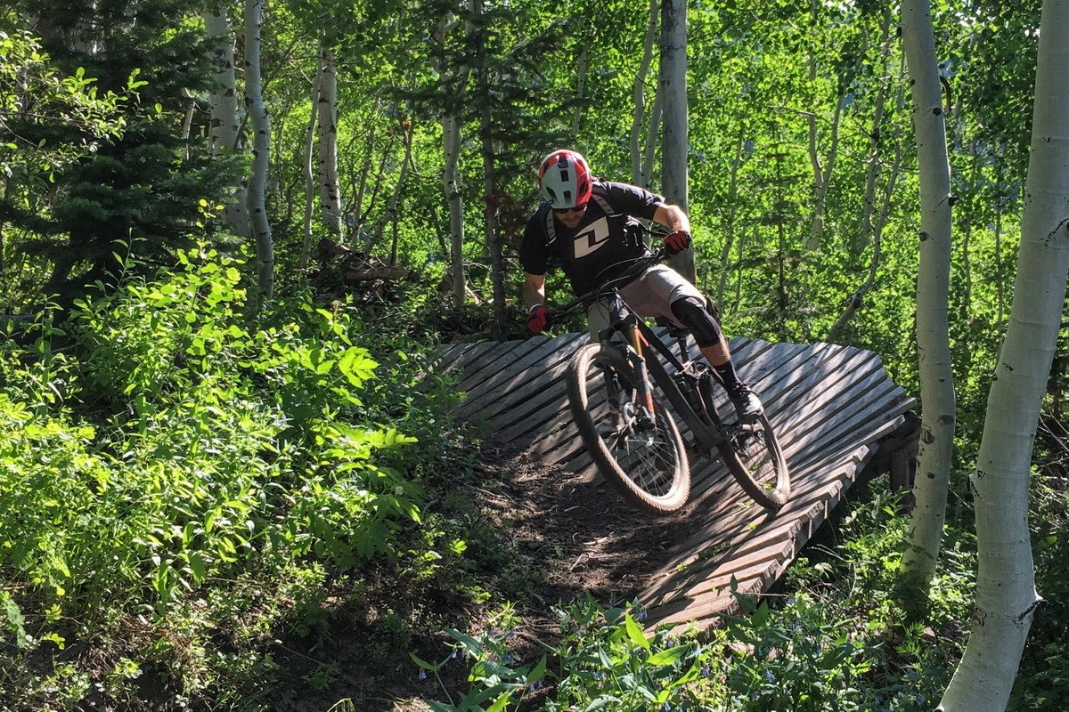 Ellsworth Rogue was easy to throw around in the old DH trails of Park City