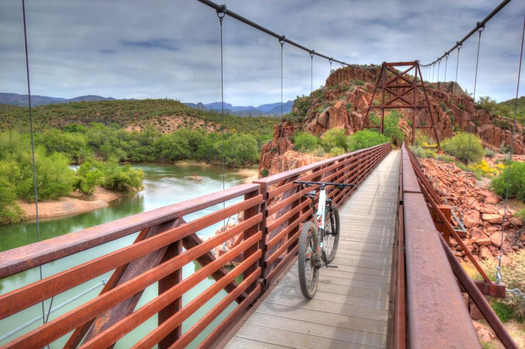 bike +  bridge pics-img_1974_5_6_-large-.jpg