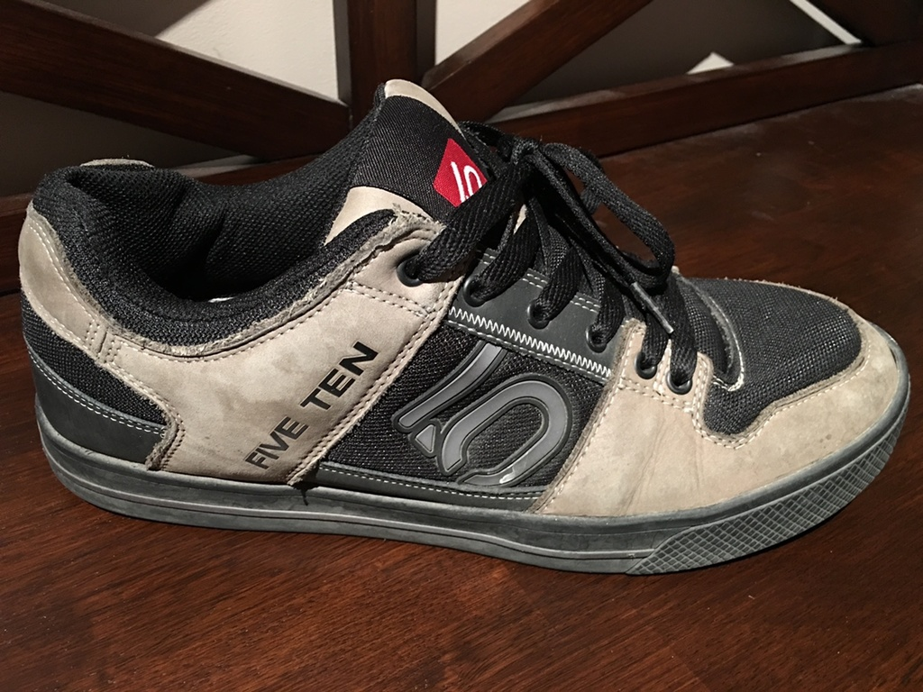 Shoes for flat pedals-img_2003.jpg