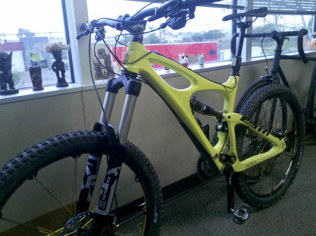 Why is Brian Lopes riding X-Fusion suspension?-img_20120430_082416.jpg