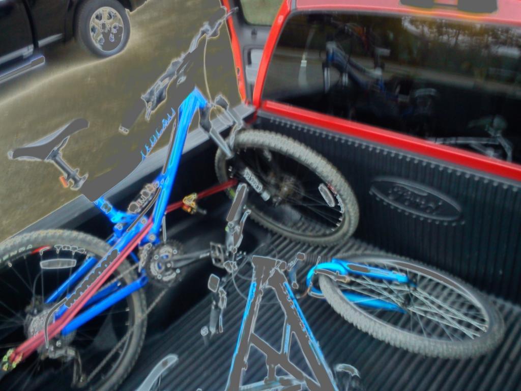 Silverado Crew Cab -- transporting bike in truck bed?-img_20120929_175105.jpg