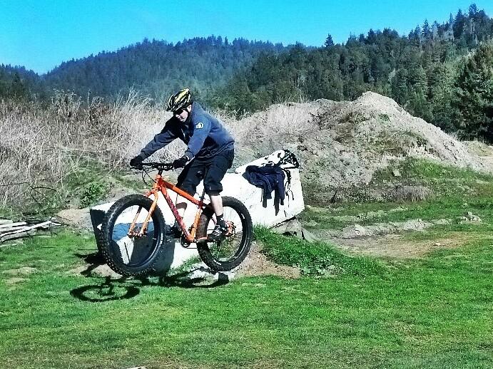 Fat Bike Air and Action Shots on Tech Terrain-img_20130212_134435.jpg