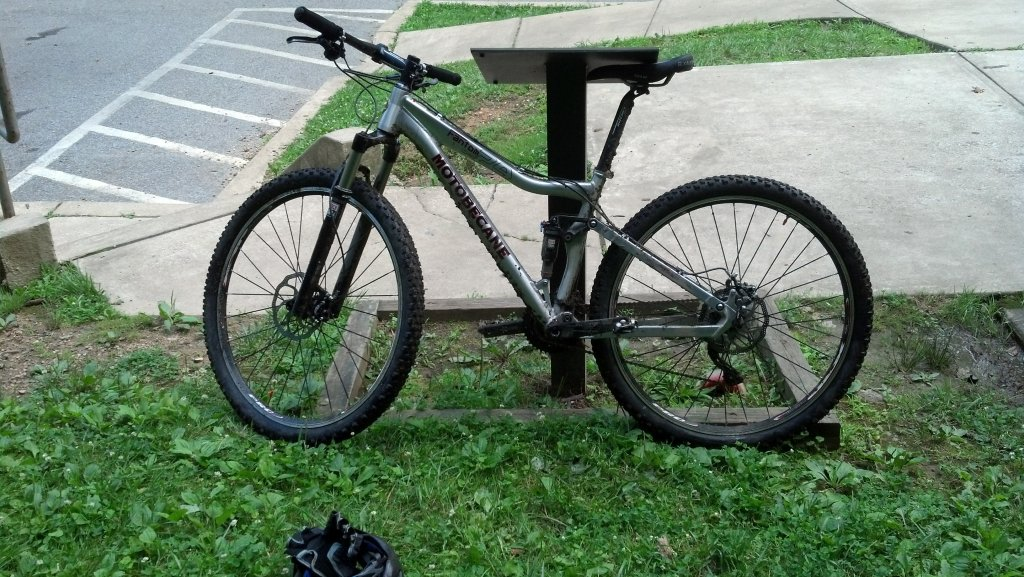Post pics of your moto.-img_20130704_133627_875.jpg