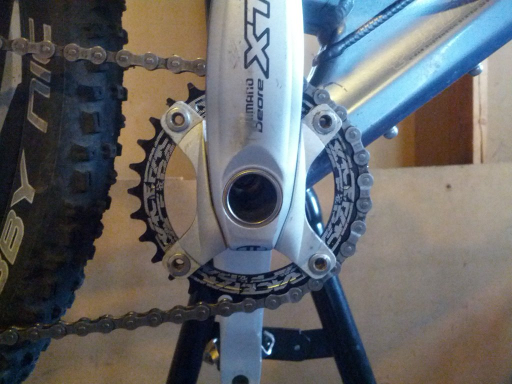 Race Face Narrow//Wide 4-Bolt 104 BCD Chainring 34T Black