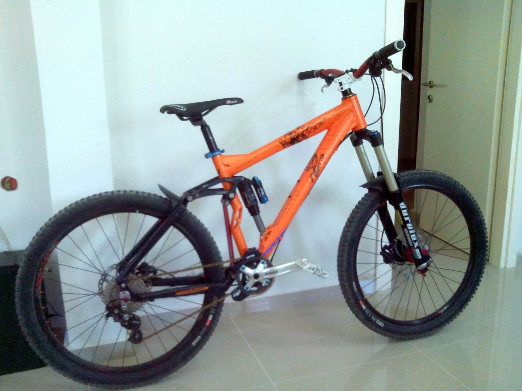 Post your Enduro/Super D rigs here...-img_20131003_134150.jpg