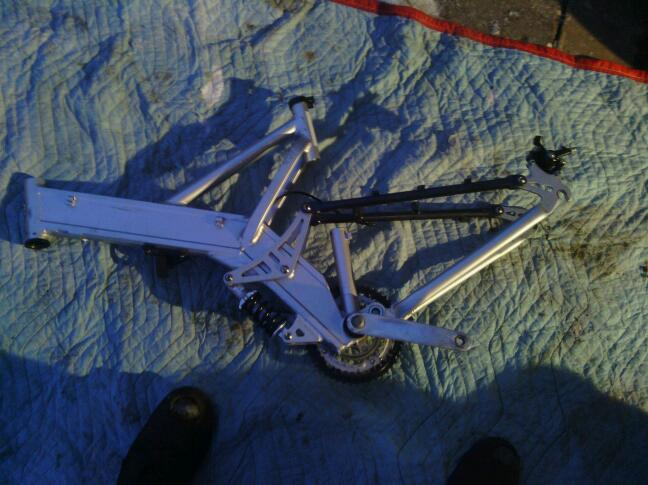 Trying to identify this bike frame, and sell it. Whats it worth?-img_20131211_170143-1.jpg