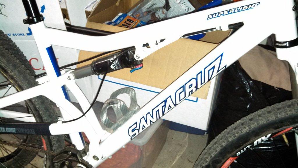 santa Cruz Superlight 3.3 ; i need pics of your frame. need to ...