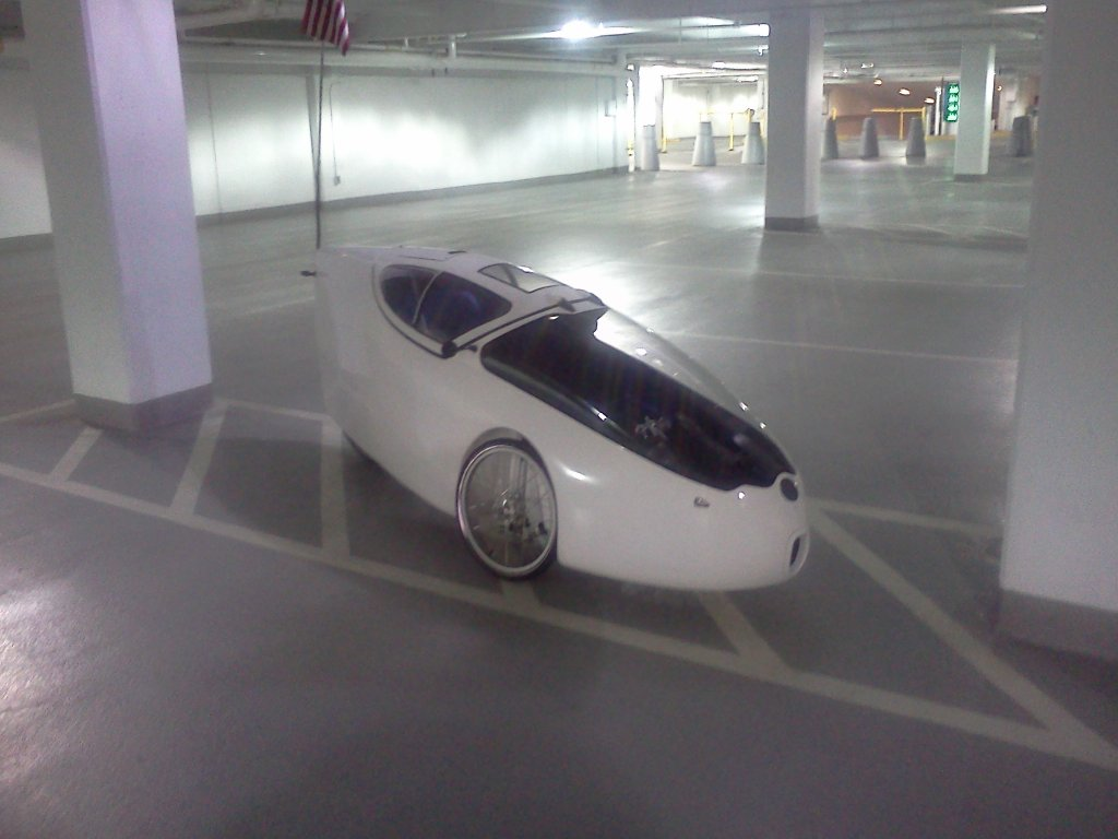 Does anyone know what commuting vehicle this is?-img_20140415_083429.jpg