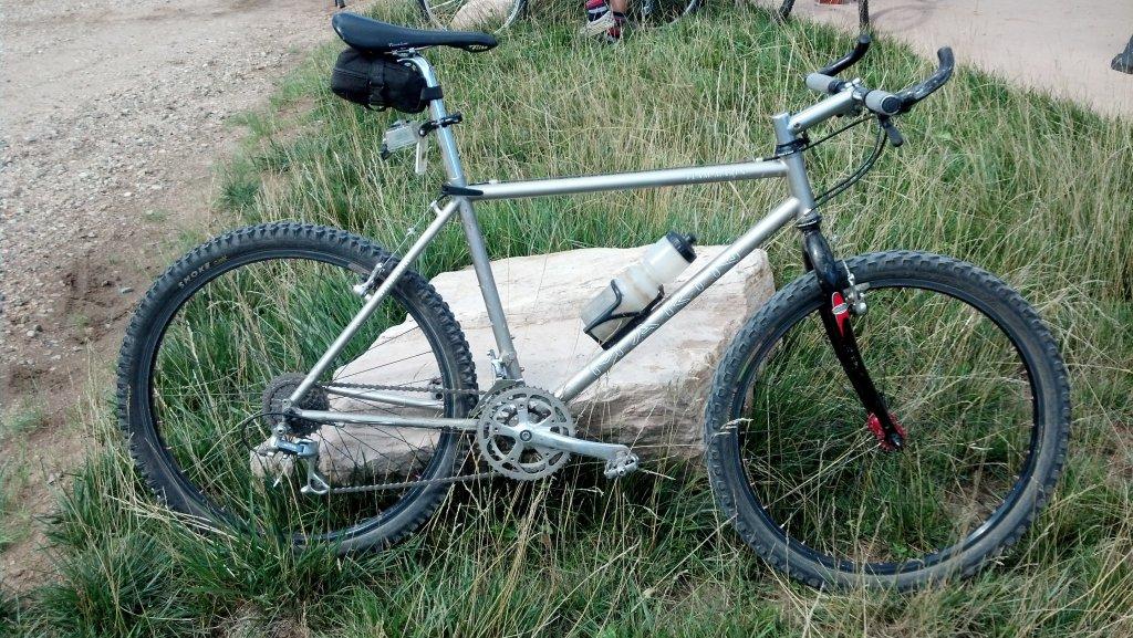 Old riders, old bikes.-img_20140907_151205_373.jpg