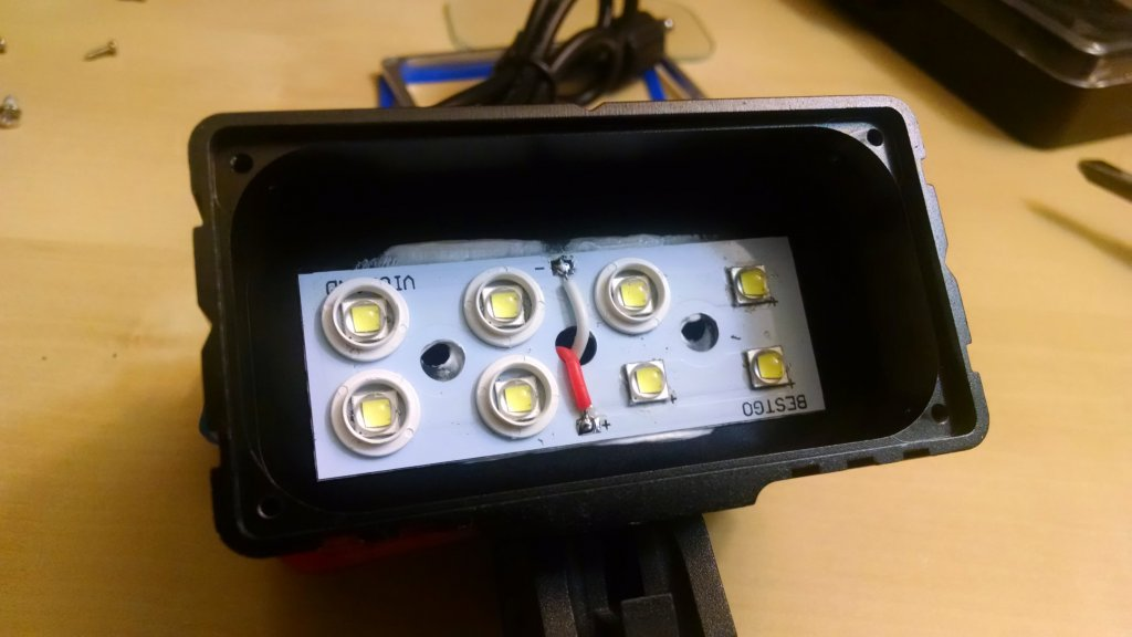 Vicmax A8 Bicycle light Partial Tear-down & Impressions-img_20150523_213354584.jpg