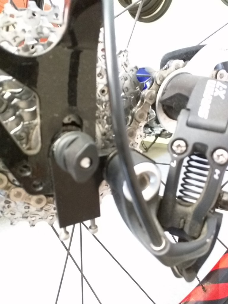 """""""reverse chain tug""""? - pull axle forward into dropout-img_20150601_150730.jpg"""