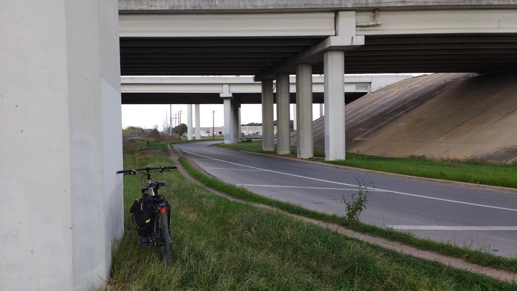 bike +  bridge pics-img_20160114_152444286.jpg