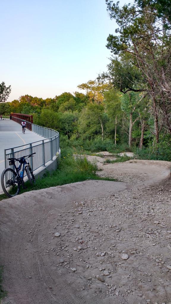 bike +  bridge pics-img_20170911_192306200_hdr.jpg