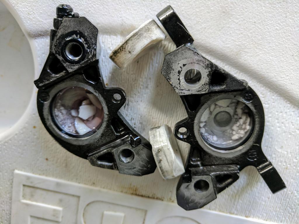 4bd16571888 XT M8000 broken pistons- Mtbr.com