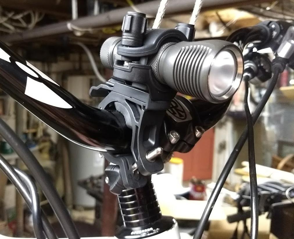 Seeking 18650 Flashlight with at least 900 lumens (for helmet)-img_20171225_151057730_zpszumhwsau.jpg