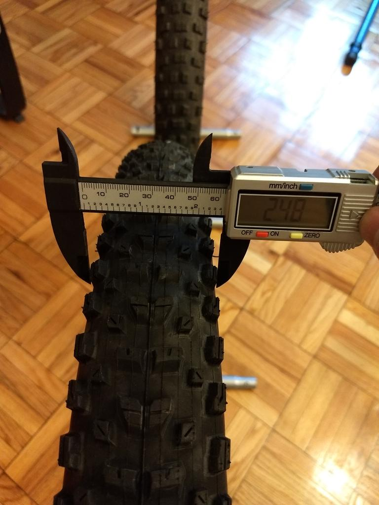 Schwalbe Nobby Nic 29x2.6 vs Maxxis Rekon 29x2.6 in pictures and numbers (and words!)-img_20180704_184150795.jpg