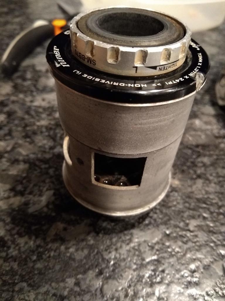 Air9 Carbon - bottom bracket metal insert-img_20190314_005330599.jpg