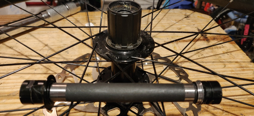 How to disassemble this hub?-img_20190916_182514.jpg