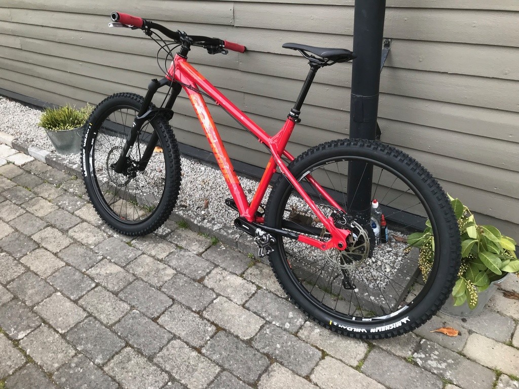 "Will the latest RS Revelation Boost 650b/27.5"" accomodate a 29"" wheel?-img_2116.jpg"