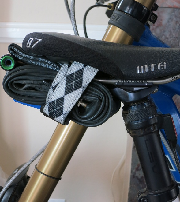 Saddle bag for dropper seatpost-img_2155.jpg