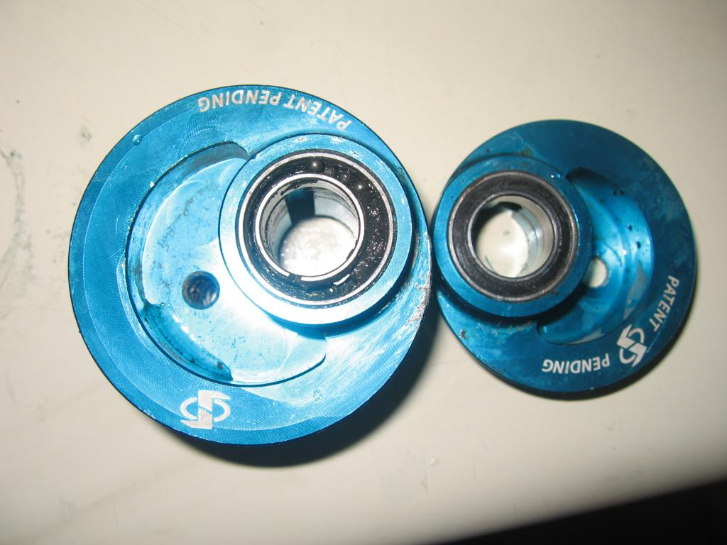 Switch pivot bearings-img_2194.jpg