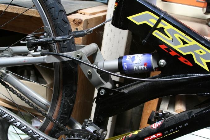 Fox Vanilla R rear shox?-img_2201.jpg