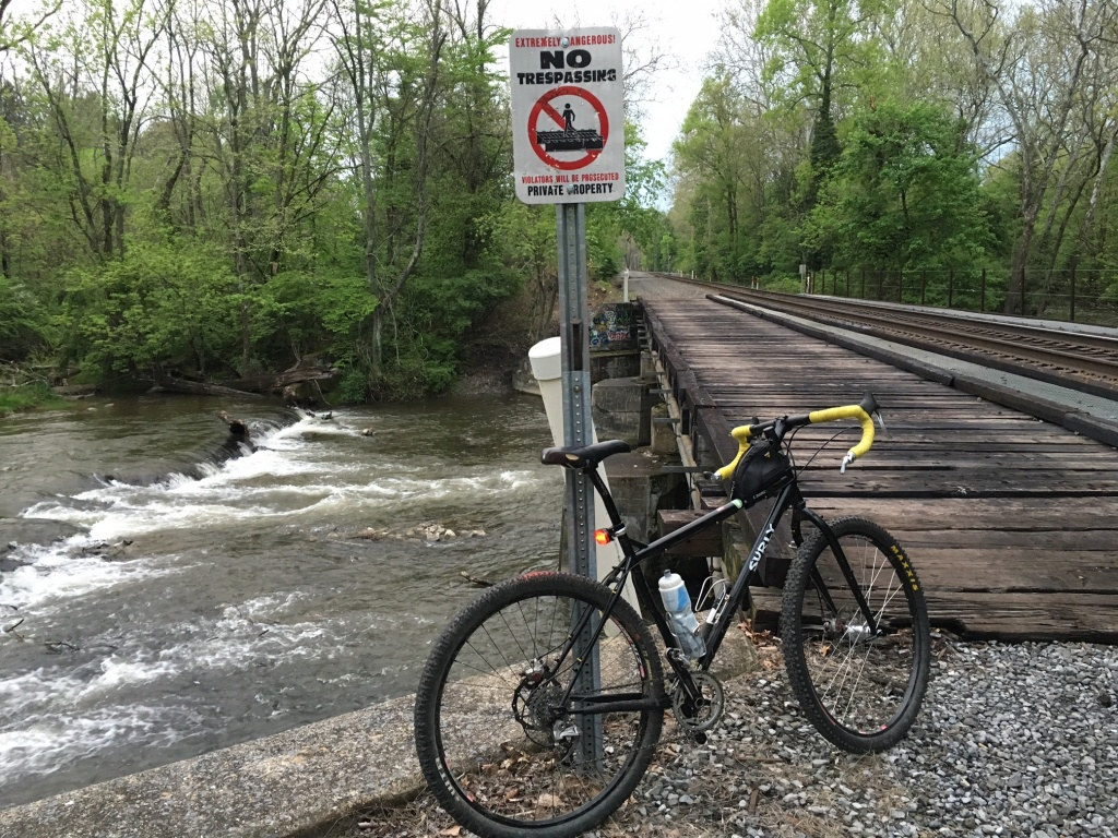 Post pics of your Surly!!!-img_2281.jpg