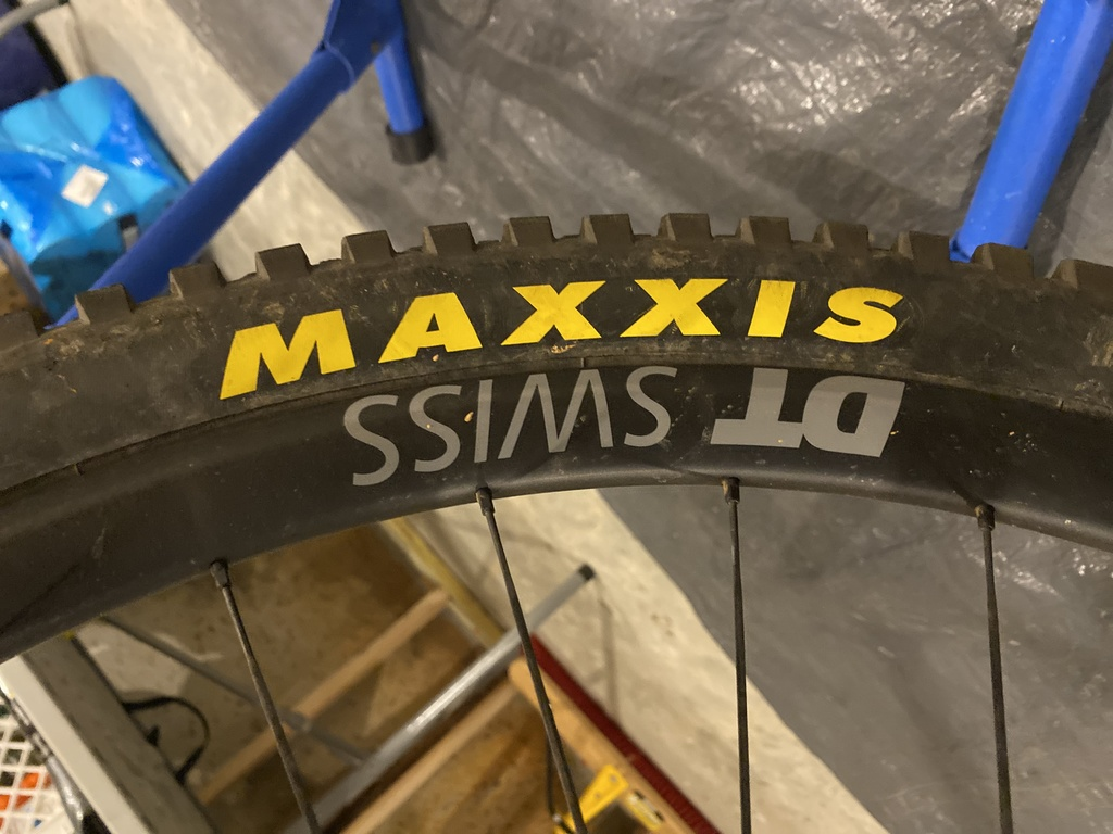 What wheels (not tires) are you guys/gals racing?-img_2370.jpg
