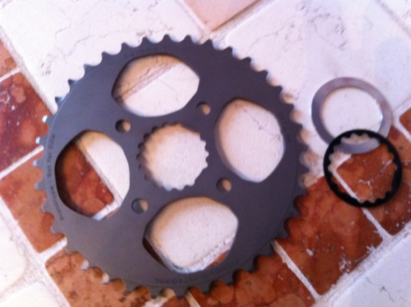 new chainrings for our Hollowgram-img_2431.jpg