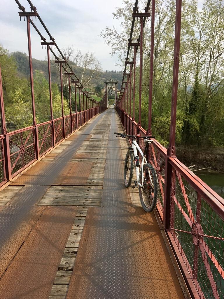 bike +  bridge pics-img_2560.jpg