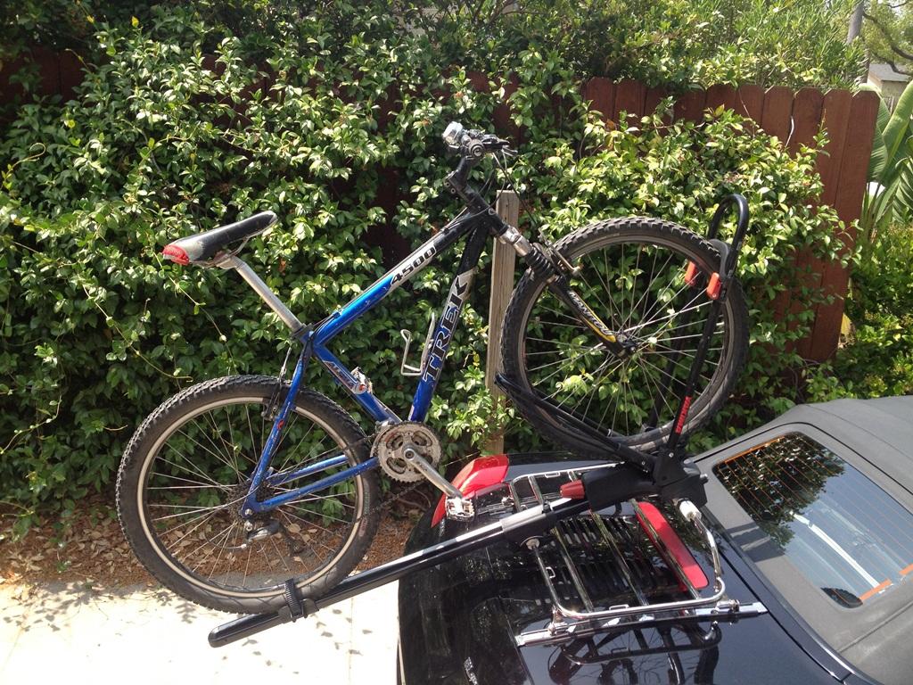 MR2 spyder bike rack-img_2850.jpg