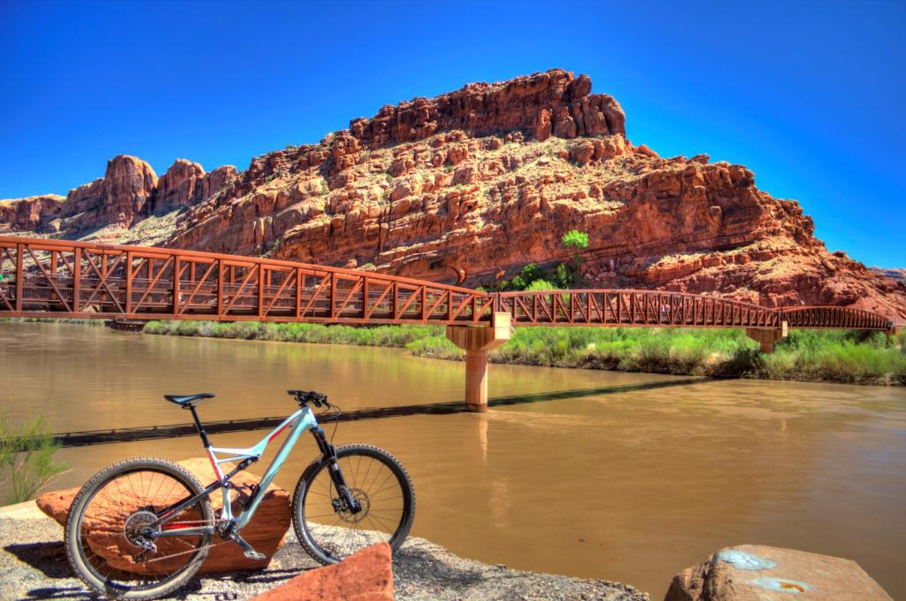 bike +  bridge pics-img_2864_5_6_-large-.jpg