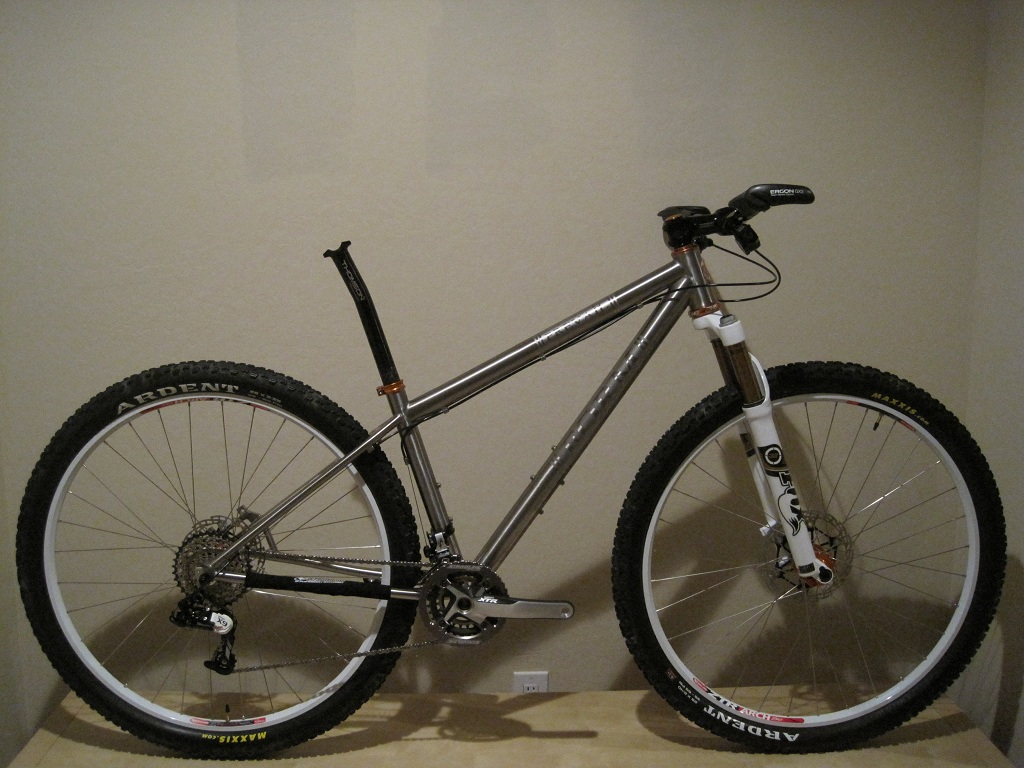 Custom Form Cycles Ti Prevail 29er-img_2876.jpg