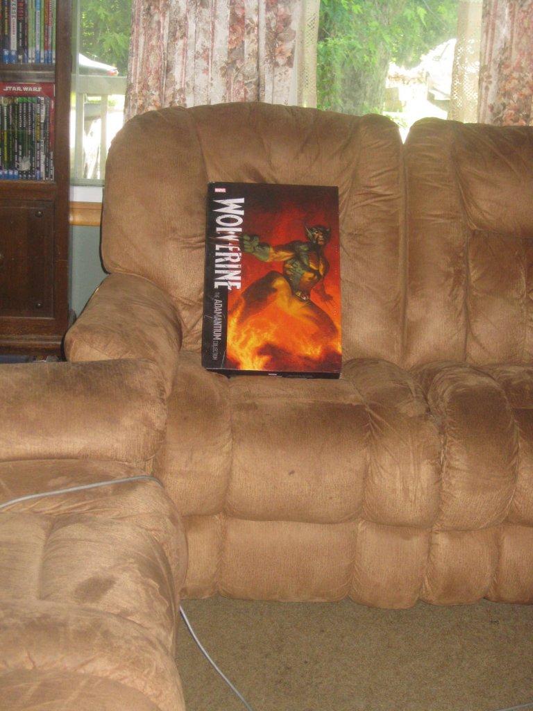 Wolverine Adamantium Collection Book?-img_2899.jpg