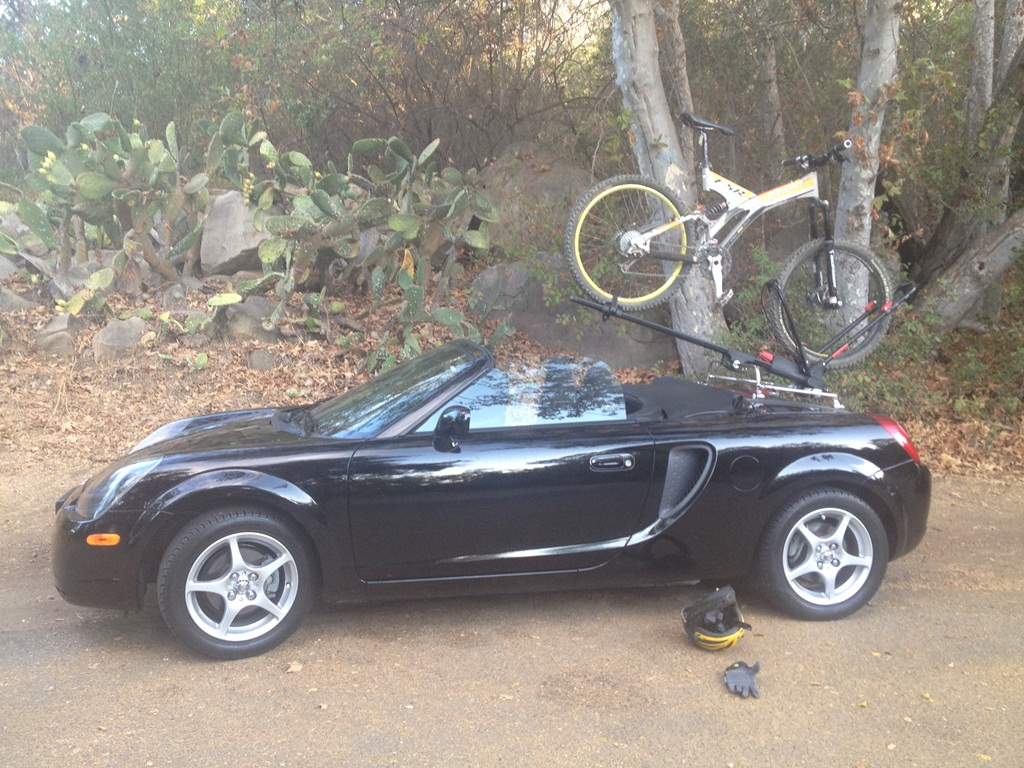 MR2 spyder bike rack-img_2987.jpg