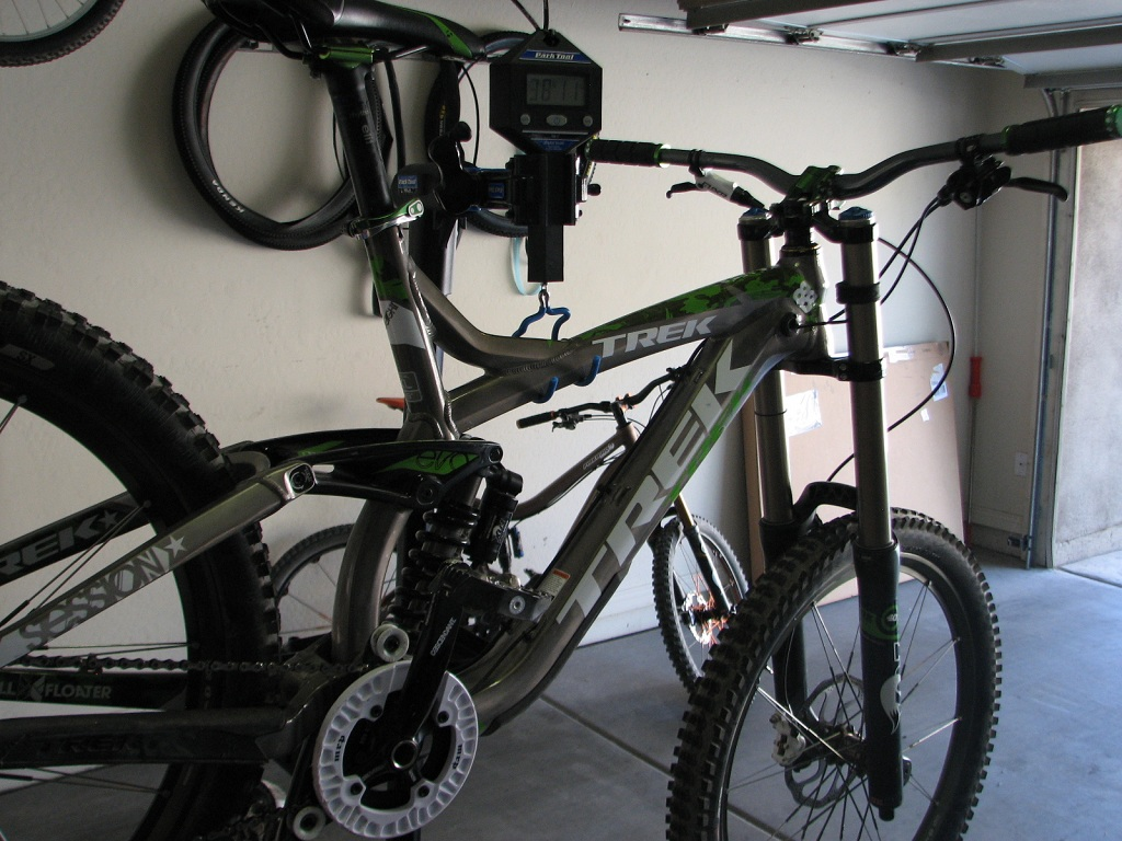 What Does your DH Bike Weight? Post' em Up ! !-img_3156.jpg