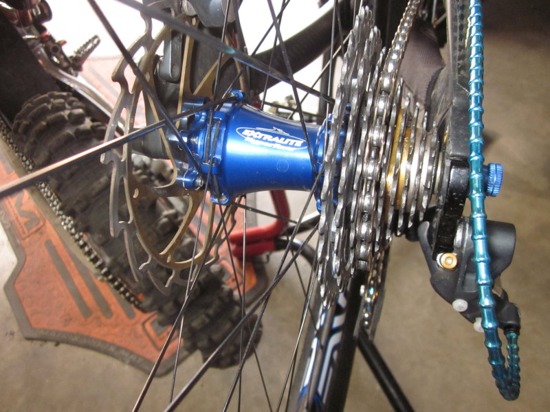 Lets see some blinged out wheelsets..I9,CK,Hope..anything goes!-img_3170_1.jpg
