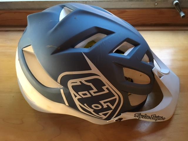 Found Helmet in Channel Drive Parking Lot-img_3309.jpg