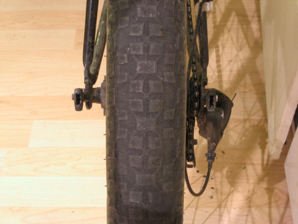 How do we build ourselves a fast road bike... that isn't a road bike?-img_3610.jpg
